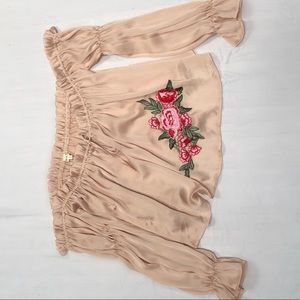 Off-the-shoulder embroidered top